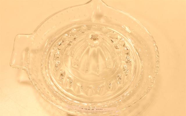 ガラスのレモンしぼり1